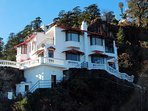 This 4BR Vacation Home in Mussoorie is an ideal getaway for families and groups