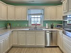 This kitchen is a home cook's haven!