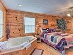 Both bedrooms have en-suite jetted tubs.