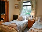 self catering cottage nestled in picturesque countryside . BR2