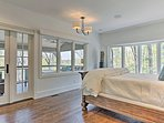 Take a siesta in the queen bed or unwind on the screened porch.