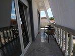 A6(2+2): balcony