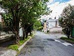 Calle tranquila y barrio seguro