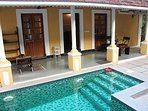 Swimming pool with inbuilt Jacuzzi