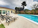 3BR, 2BA Lantana Beach House with Pool – Near Downtown & Airport