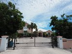 Villa Tropica Gated Parking