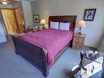 cozy queen size bed!