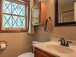 The 3.5 bathrooms offer ample room for everyone to get ready.