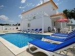 3 bedroom Villa in Guia, Faro, Portugal : ref 5239090