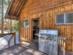 Deck access from the kitchen makes barbecuing very convenient!