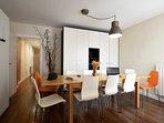 Zona comedor con la mesa extendida 260 cm x 90 cm