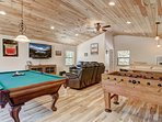 Tahoe Frost  - Game room
