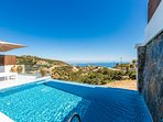 The position of Lili Villa, right on a hill top, offers unobstructed views!