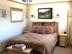Queen bed in Master Cabin.