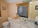 Upper level full bath with tub/ shower combo