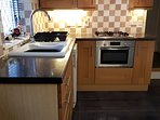 Oak Kitchen with Gas Hob, Multi Function Oven & Dishwasher