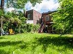 HUGE backyard! perfect for families
