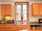 Chic and luminous kitchen! Dischwasher, Microwave, Espresso machine and...