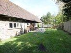 Pond Cottage - fully enclosed garden
