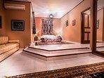 Chambre à coucher avec sa salle de bain privative