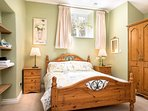 Room 3 Sleeps 5, Dpuble & Triple bunks
