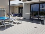 Villa Nova - comfortable sunbeds by the pool