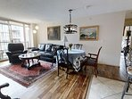 Luxury downtown condo, steps to Inner Harbor!!!