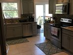 Gourmet kitchen - pic 2