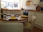 Kitchen  dinning for 4 people