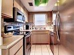 Full, modern kitchen