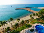Amazing luxury condo, relaxing and amazing view to the ocean. Enjoy the sunsets; life and vacations.