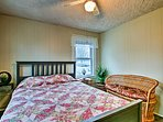 The 3 bedrooms offer accommodations for 6.