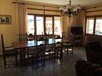 Un salón de más de 40 metros cuadrados que permite disfrutar de la máxima tranquilidad y comodidad