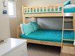 Double/Twin Bunk Bed (streetside)