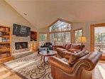 Sunriver-Vacation-Rental---30-Vine-Maple---Living-Room