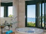 suite bedroom wit sea views and jacuzzi-SA PUNTA COSTA BRAVA