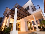 Private and secure neighborhood near Cabo's marina. Close to restaurants and shopping.