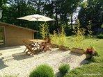 La terrasse pour les instants barbecue
