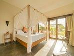all bedrooms have airco and klambu