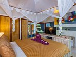 2 big Masterbedrooms with king size bed Matrace King koil, TV DVD, ac and ensuit bathroom