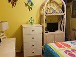 2nd bedroom with roku tv.