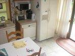 Town Harbor Lane Beach Cottage Rental - Kitchen