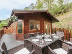 TRANQUILITY LODGE, open-plan living, in Lake District National Park, pet-friendl