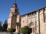 La pequeña catedral en la plaza de Villahermosa. Un lugar ideal para tomar algo en alguna terraza
