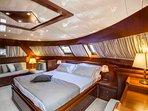 Luxury 98ft Motor Yacht