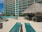 There's a poolside TIKI Bar during peak seasons