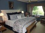 2nd Bedroom with Queen/bath/TV