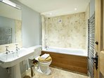 The ground floor Lincklaen ensuite bathroom