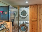 In-unit laundry machines make laundry an easy task.