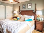 Master Bedroom w King Bed